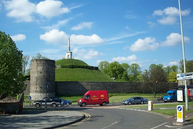 Canterbury_city_walls_-_geograph.org.uk_-_435011