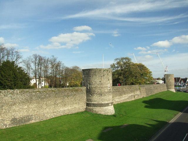 Canterbury_town_walls_-_geograph.org.uk_-_1117994