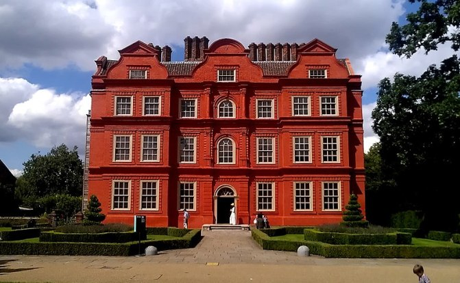 800px-The_Dutch_House_at_Kew_Palace.jpg